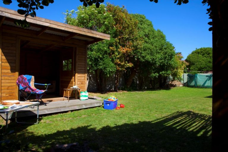tn_18Yarmouth_0013_back_garden